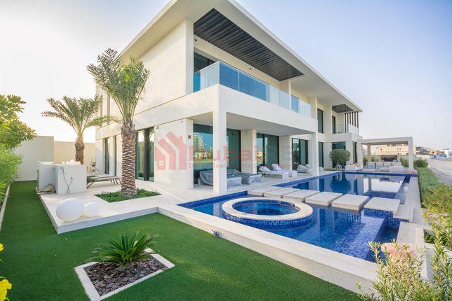 Thumbnail Villa for sale in Frond N, Palm Jumeirah, Dubai, United Arab Emirates