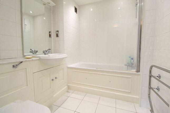 Bathroom of St Katherine Docks, London E1W