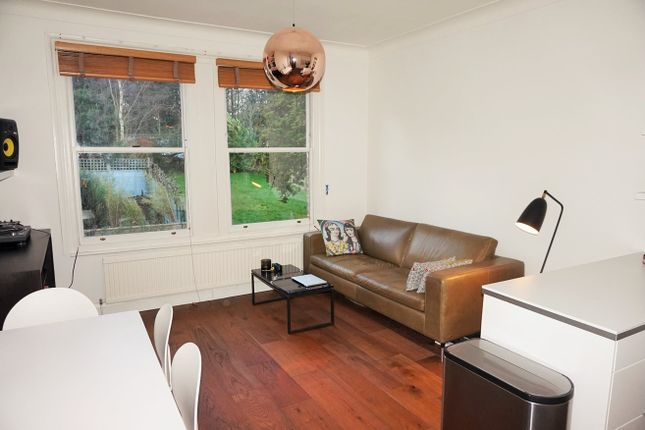 1 bed flat to rent in Alexandra Park Road, London