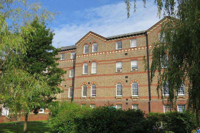 Flat for sale in Colwell Road, Haywards Heath