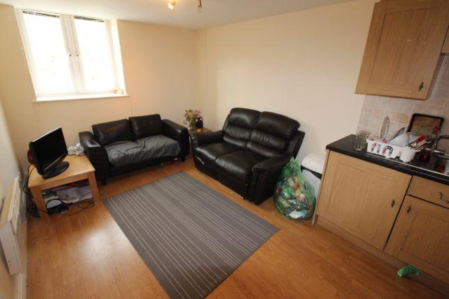 Thumbnail Flat to rent in Llanbleddian Gardens, Cathays, Cardiff