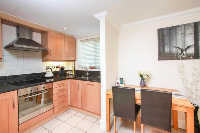 Thumbnail Flat to rent in New Street, Chelmsford