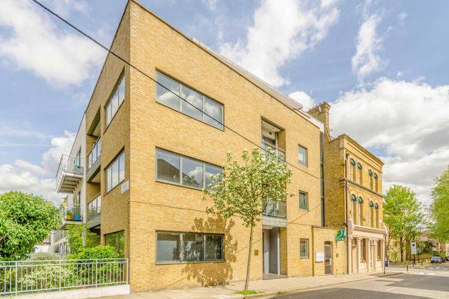 3 bed flat for sale in Sheringham Road, Islington, London N7
