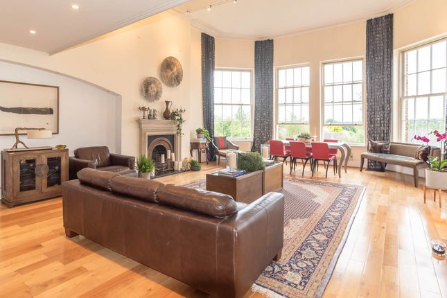 4 bed flat for sale in Princess Park Manor, Royal Drive, London N11