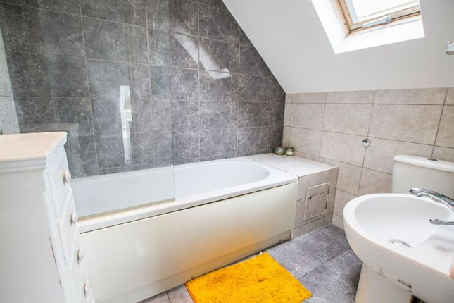 Master En-Suite of Redhill Drive, Brighton BN1