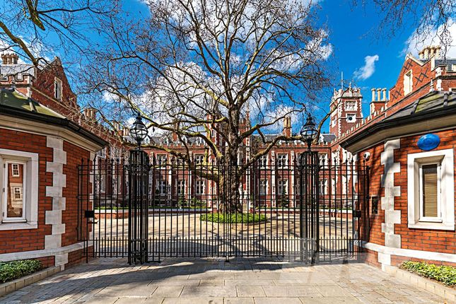 Thumbnail Flat to rent in Rose Square, The Bromptons, South Kensington