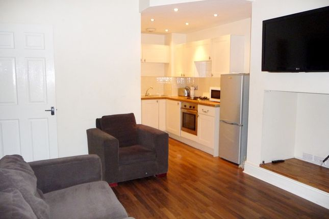 Thumbnail Flat to rent in Rothbury Terrace, Heaton, Newcastle Upon Tyne