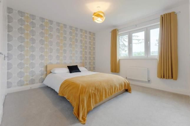 Bedroom of Scobbie Place, Redding, Falkirk FK2