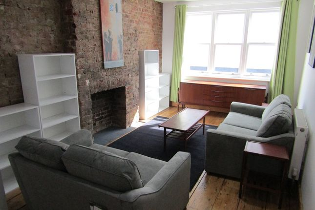 3 bed flat to rent in Gloucester Mews, Gloucester Road, Brighton BN1