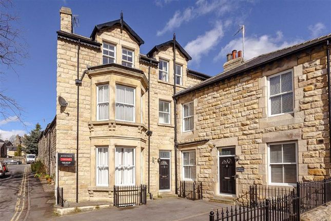 Thumbnail Town house to rent in Strawberry Dale Avenue, Harrogate, North Yorkshire