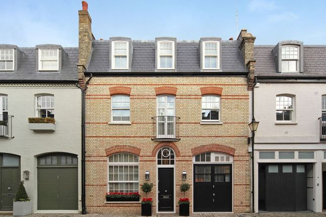 Thumbnail Town house to rent in Clabon Mews, Knightsbridge, London