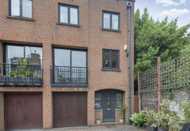 Thumbnail End terrace house for sale in Dukes Head Yard, Highgate Village, London
