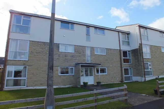Thumbnail Flat to rent in Orchard Hall, Hawthorne Grove, Trowbridge, Wiltshire