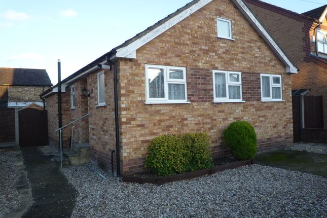 Thumbnail Detached bungalow to rent in Millers Lane, Stanstead Abbotts, Nr Ware