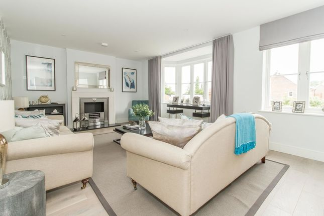 Thumbnail Detached house for sale in Chigwell Village, Chigwell