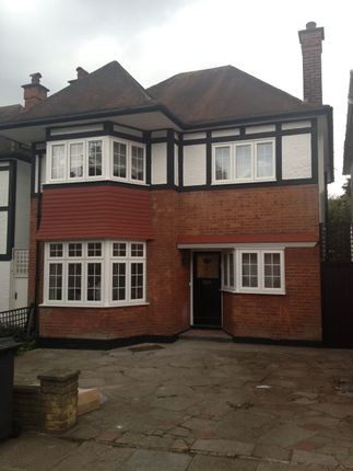 4 bed detached house to rent in Shirehall Park, Hendon