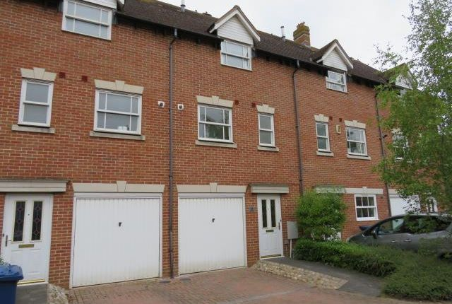 Thumbnail Town house to rent in Broad Street, Great Cambourne, Cambridge
