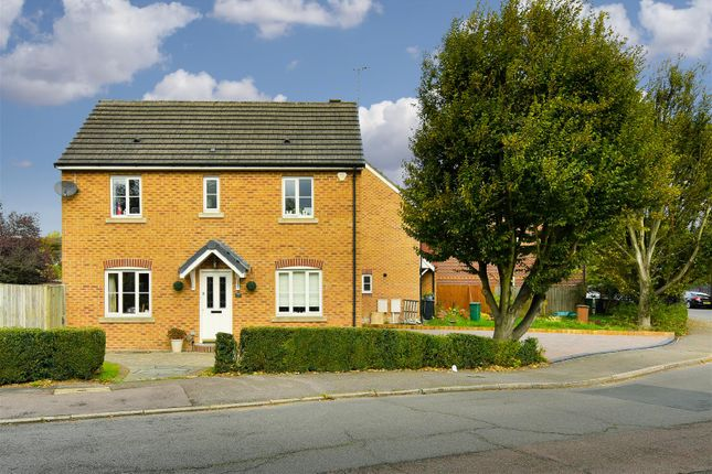 3 bed detached house for sale in Chilberton Drive, Merstham, Redhill