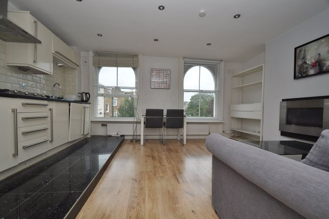 Thumbnail Flat to rent in Isledon Road, London