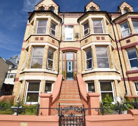 8 bed property for sale in Hutchinson Square, Douglas