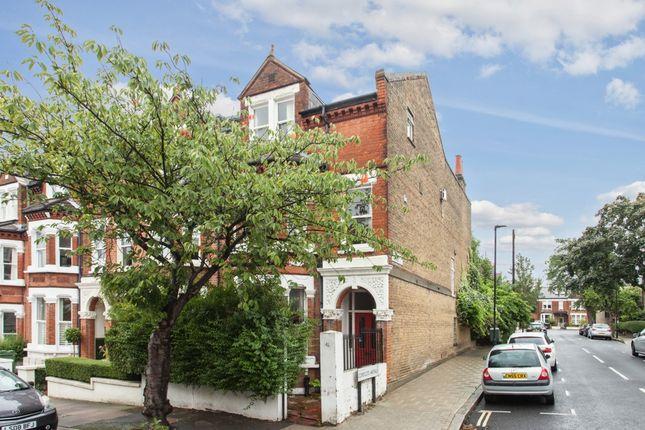 Thumbnail Terraced house for sale in Kestrel Avenue, London