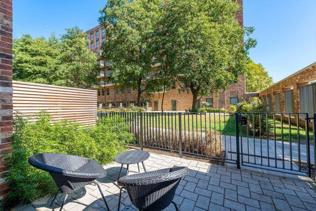 Thumbnail Flat to rent in Bollo Bridge Road, Acton, London
