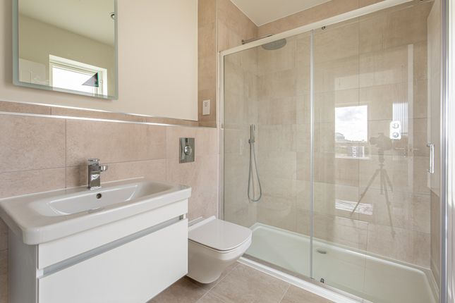 Master En Suite of Burfitt Road, Ansford, Castle Cary BA7