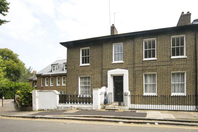 Thumbnail Terraced house for sale in London Fields East Side, Hackney