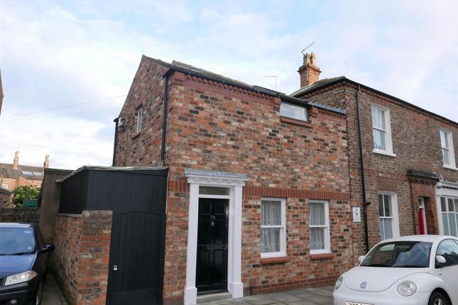 Thumbnail Property for sale in Kyme Street, York