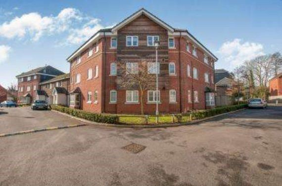 Thumbnail Flat for sale in Wharf Way, Kings Langley, Hertfordshire
