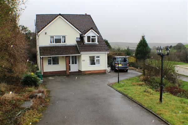 Thumbnail Detached house for sale in Meadow Lane, Gilfach Goch, Porth