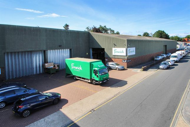 Thumbnail Warehouse to let in Simmonds Road, Wincheap Industrial Estate, Canterbury