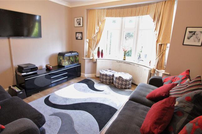 Lounge of Pymmes Green Road, London N11