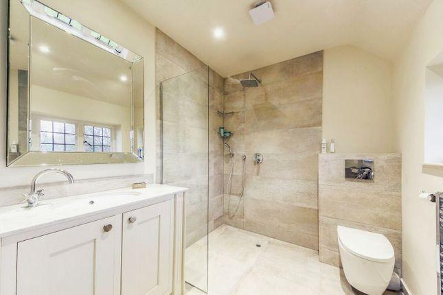En-Suite of Shrubbs Hill, Chobham, Woking GU24