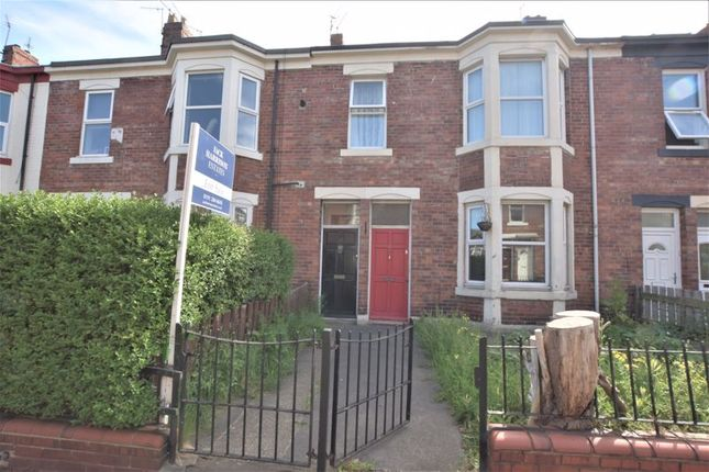 Thumbnail Flat for sale in Fourth Avenue, Heaton, Newcastle Upon Tyne