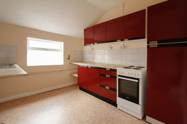 Thumbnail Flat to rent in High Street, Old Whittington, Chesterfield