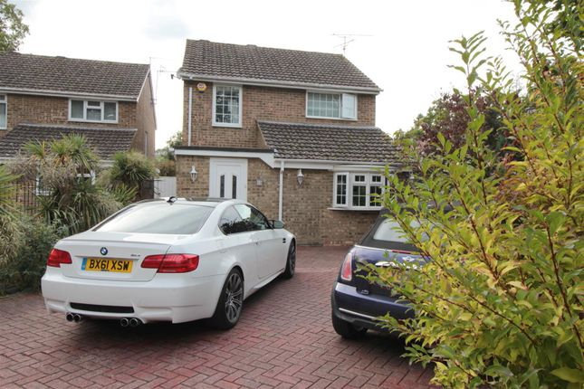 Thumbnail Property to rent in Grattons Drive, Crawley