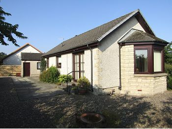 Thumbnail Detached bungalow to rent in Auld Mart Road, Milnathort, 9Fr