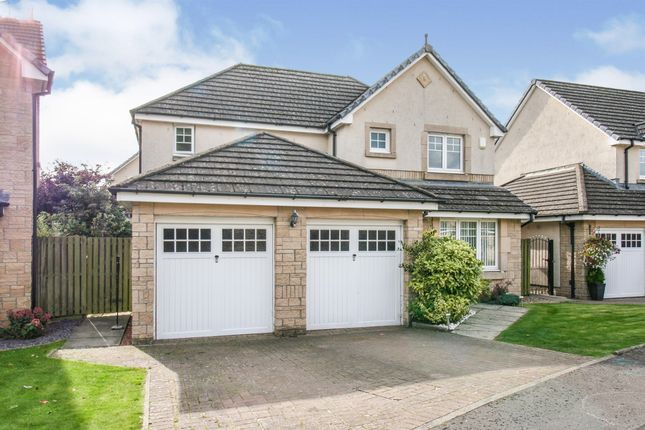 Thumbnail Detached house for sale in Craiglea, Stirling