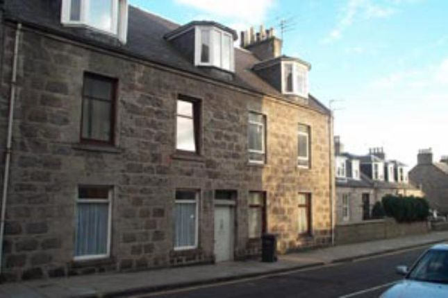 Thumbnail Flat to rent in Albert Street, Ground Right