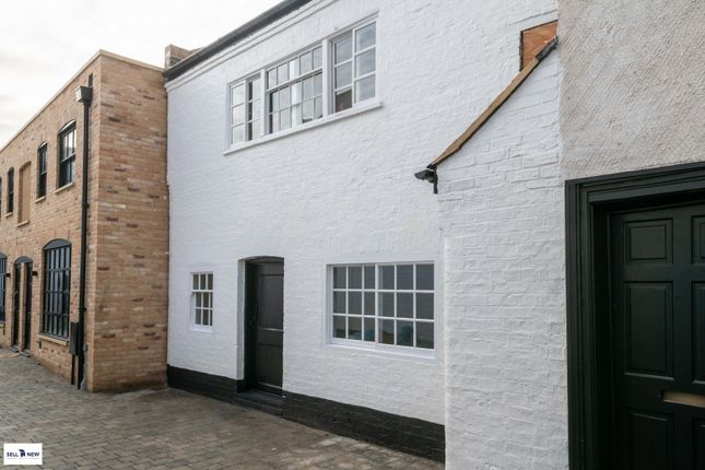 2 bed flat for sale in Cornelius Mews, Market Square, St Neots PE19