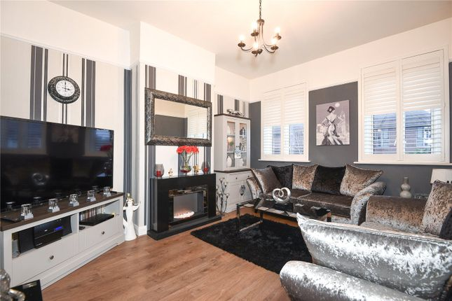 3 bed maisonette for sale in High Road, Harrow, Middlesex