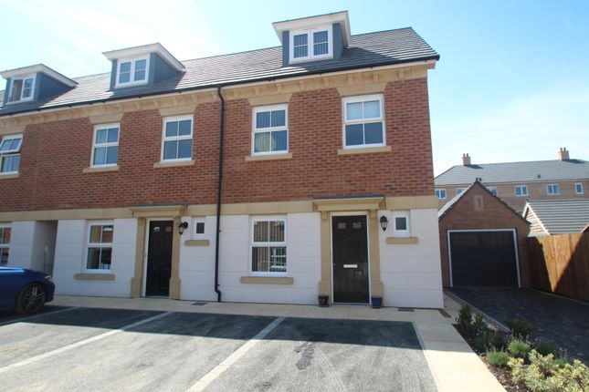 Thumbnail Town house to rent in Pickering Gardens, Harrogate