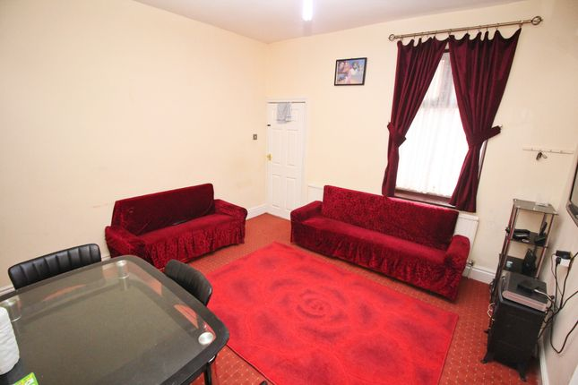 Lounge of Woodland Road, Leicester LE5
