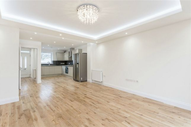 Thumbnail End terrace house for sale in Peachtree Close, Enfield, Middlesex