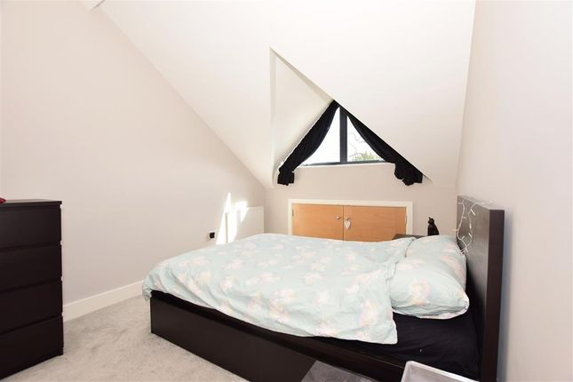 Thumbnail Flat for sale in Crabble Hill, Dover, Kent