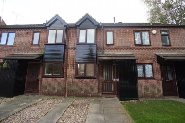 2 bed property to rent in Old Chester Road, Derby