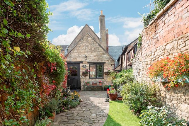Thumbnail Cottage for sale in Bull Lane, Winchcombe, Cheltenham