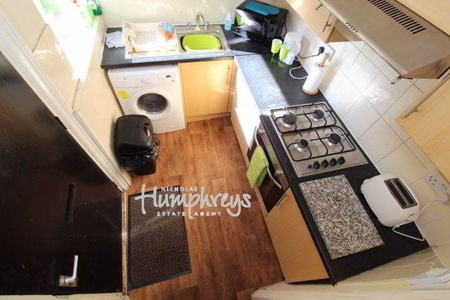Thumbnail Shared accommodation to rent in Edmund Road, Sheffield