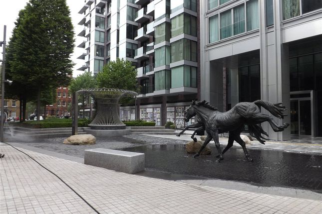 Thumbnail Flat for sale in Kingwood Gardens, Goodmans Field, Leman Street, Aldgate
